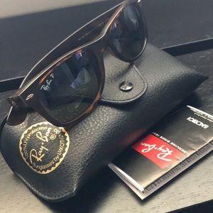 Ray ban sunglasses polarized unisex!!